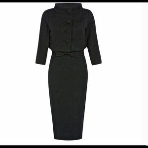 Jackie 0 dress size 8 has been worn only twice